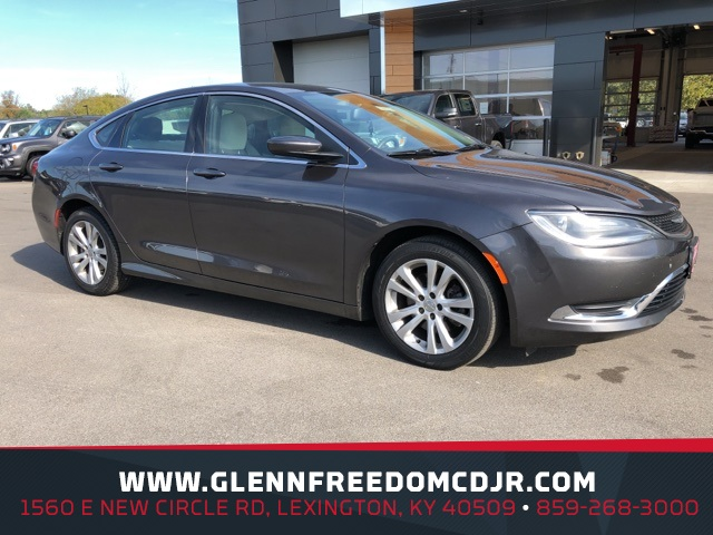 Chrysler 200 Limited >> Pre Owned 2015 Chrysler 200 Limited Fwd 4d Sedan